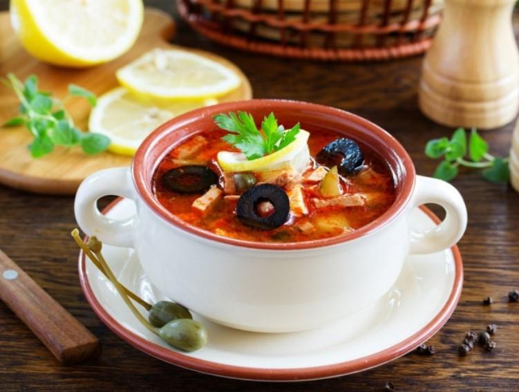 Солянка сборная мясная — классические рецепты очень вкусной солянки