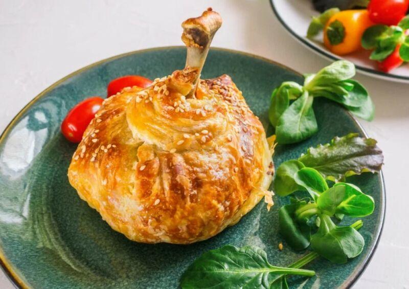 Куриные ножки в мешочке из слоеного теста в духовке — 5 вкусных рецептов
