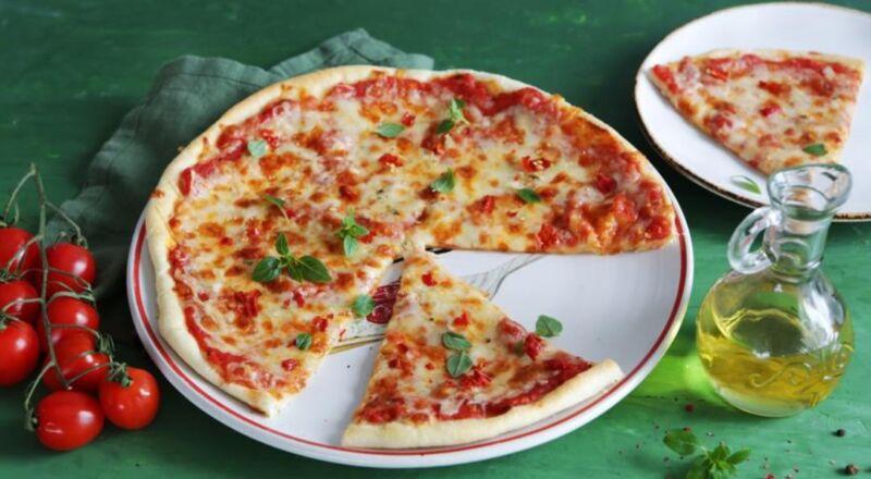 Пицца Маргарита — рецепты в домашних условиях в духовке